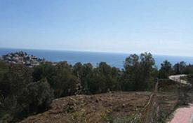 Development land for sale in Benalmadena. Plot with a sea view in a gated residence, close to the beach and the golf course, Benalmadena, Spain