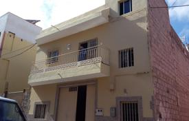 Property for sale in El Médano. Townhome – El Médano, Canary Islands, Spain
