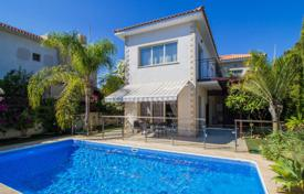 Coastal houses for sale in Agios Tychon. Villa – Agios Tychon, Limassol, Cyprus