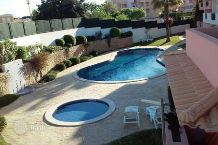 Coastal residential for sale in Portugal. Ехеlent T2 apartment