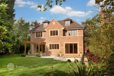 5 bedroom houses from developers for sale in Europe. Villa – London, United Kingdom