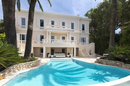 Property for sale in Mont Boron. Villa – Mont Boron, Nice, Côte d'Azur (French Riviera),  France