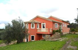 3 bedroom houses for sale in Corfu. Comfortable cottage with a view of the woods and mountains, with a garden, a garage, a 5-minute drive from the water park, Corfu