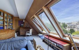 5 bedroom apartments for sale in France. Paris 9th District – A superb duplex apartment