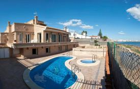 5 bedroom houses for sale in Valencia. Villa – Torrevieja, Valencia, Spain