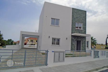 Coastal residential for sale in Oroklini. Three Bedroom luxury Link Detached House