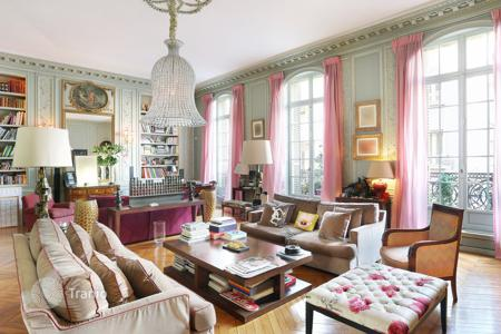 Apartments for sale in Ile-de-France. Paris 8th District — Parc Monceau