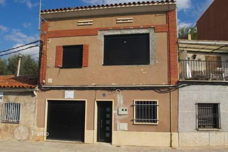 Cheap 2 bedroom houses for sale in Catalonia. Villa – Manresa, Catalonia, Spain