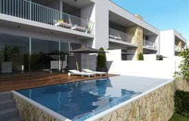 Houses with pools for sale in Albufeira. Detached house – Albufeira, Faro, Portugal