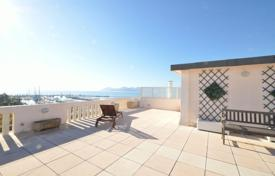 Cannes, Croisette, penthouse 2 bedrooms on th top floor for 2,950,000 €