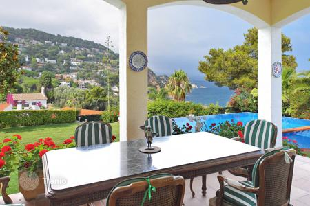 Luxury 5 bedroom houses for sale in Costa Brava. Villa - Blanes, Catalonia, Spain