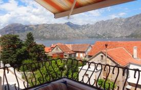 Coastal apartments for sale in Prčanj. Comfortable apartment 50m from the sea, Prcanj, Montenegro