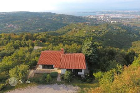 5 bedroom houses for sale in Slovenia. Villa - Koper, Obalno-Cabinet, Slovenia