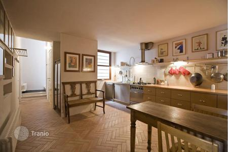 Apartments for sale in Umbria. Luxury apartment situated in the heart of the historical center of Città della Pieve