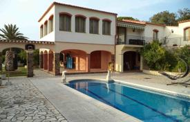 6 bedroom houses for sale in Catalonia. Mediterranean style villa with swimming pool, garden, terraces and lounge area in Calonge, Costa Brava, Spain