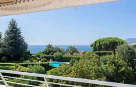 2 bedroom apartments by the sea for sale in Provence - Alpes - Cote d'Azur. Cannes — Croix des Gardes — Panoramic sea views