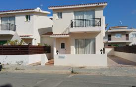 Houses with pools by the sea for sale in Paphos (city). Detached house – Paphos (city), Paphos, Cyprus
