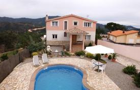 Luxury villas and houses for rent in Catalonia. Villa – Gerona (city), Costa Brava, Spain