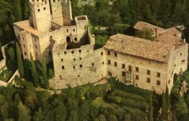 Castle from the 12th Century near Lake Garda for 5,000,000 €