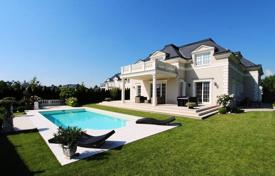 "Luxury houses for sale in Austria. Villa in luxury resort at the golf club ""Fontana"" near Vienna, Austria"