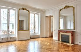 PARIS 8/ GOLDEN TRIANGLE — 2 BEDROOM APARTMENT for 3,800 € per week