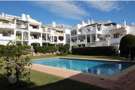 Apartments with pools by the sea for sale in Estepona. Apartment 2 bedroom, Estepona
