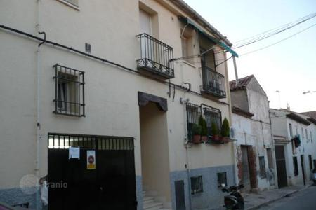 Cheap residential for sale in Chinchón. Terraced house – Chinchón, Madrid, Spain