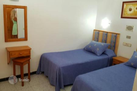 Cheap 1 bedroom apartments for sale in Canary Islands. Renovated Apartment near the Dunes