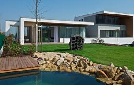 Houses for sale in Praha 10. New three-storey villas in a green district of Prague (district 10)