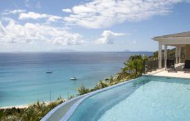 Property for sale in Caribbean islands. Exclusive area with an amazing ocean view over Gouverneur beach and islands. Villa ideally located close to the beach.