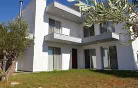 3 bedroom houses for sale in Paphos. Unique L-Shaped 3 Bedroom Villa, Mesogi