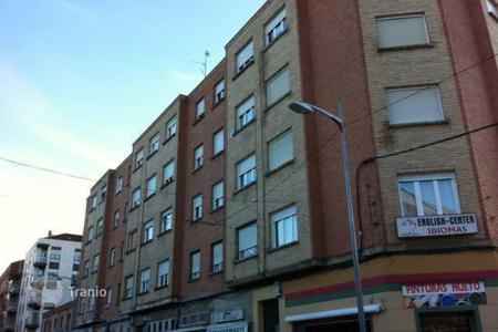 Bank repossessions property in La Rioja. Apartment – Calahorra, La Rioja, Spain