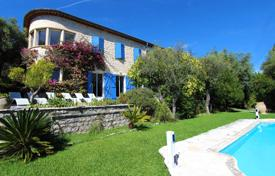 Cheap houses for sale in Côte d'Azur (French Riviera). Two-storey villa with a pool, a garden and a billiard room, Vence, France