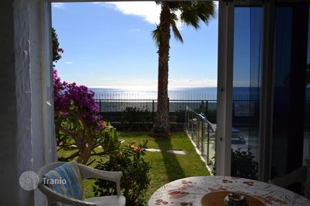 2 bedroom apartments for sale in Canary Islands. Beautiful Apartment by the Sea