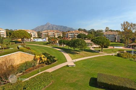 Luxury apartments with pools for sale in Andalusia. Apartment for sale in La Trinidad, Marbella Golden Mile