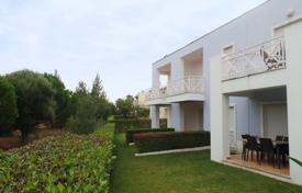 Golf 2 Bedroom Townhouse with Communal Pool, Vilamoura for 357,000 $