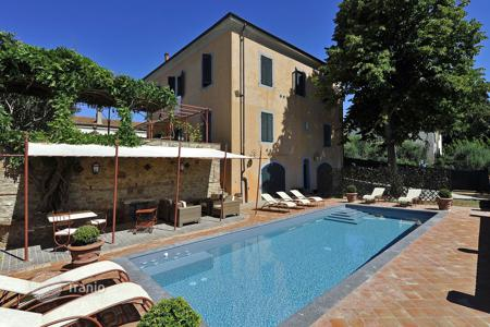 5 bedroom villas and houses to rent in Peccioli. Villa – Peccioli, Tuscany, Italy