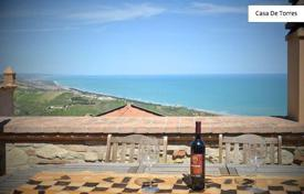Houses for sale in Abruzzo. Luxurious house in Silvi
