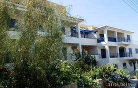 Cheap 1 bedroom apartments for sale in Cyprus. This lovely cozy apartment is located in Yeroskipou, in a prestigious complex with two swi