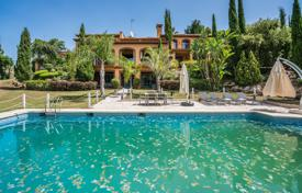 Beautiful Mediterranean villa with a swimming pool, Estepona, Andalusia, Spain for 2,750,000 €