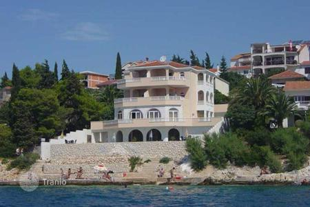 Luxury houses with pools for sale in Split-Dalmatia County. Villa - Trogir, Split-Dalmatia County, Croatia