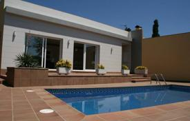 Houses with pools by the sea for sale in Costa Brava. Villa – Lloret de Mar, Catalonia, Spain