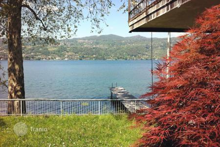 Villas and houses to rent in Ranco. Villa - Ranco, Lombardy, Italy