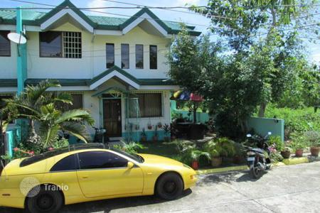 Townhouses for sale in Central Visayas. Terraced house – Lapu-Lapu City, Central Visayas, Philippines