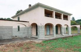 Property for sale in Arezzo. New three-storey villa in Arezzo, Tuscany, Italy