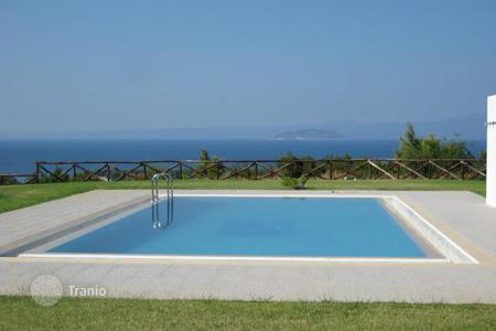 Residential for sale in Administration of Macedonia and Thrace. Residential complex in Pefkohori, Chalkidiki