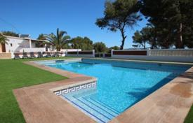 Villas and houses with pools for sale in Valencia. Elegant villa with sea views in Calp, Alicante, Costa Blanca