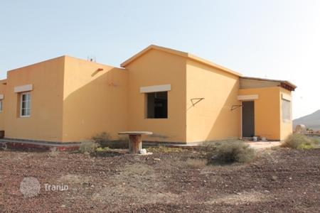 Foreclosed 3 bedroom houses for sale in Tuineje. Villa – Tuineje, Canary Islands, Spain