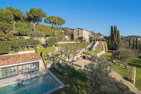 Luxury 6 bedroom houses for sale in Mougins. Mougins - Magnificent old stone mas