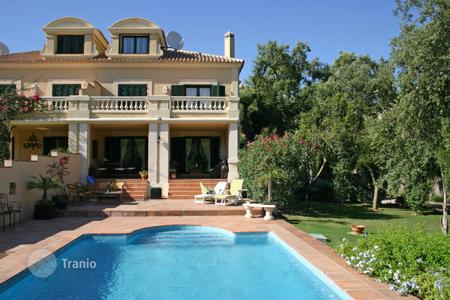 5 bedroom houses for sale in San Roque. Fabulous south facing family semi-detached villa in Sotogolf, Sotogrande Alto